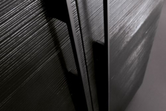 anice-particolare-impiallacciato-larice-laccato-nero-500x750