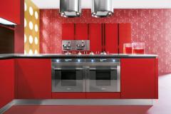 anice-particolare-impiallacciato-larice-tinta-rosso-1126x750