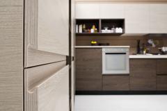 arcobaleno-particolare-laminato-frassino-vaniglia-e-frassino-caffe-1125x750