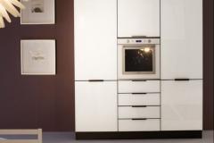 brillante-particolare-vetro-laccato-bianco-lucido-e1460108202736-601x750
